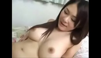 Horny stepmom seduces her young stepdaughter