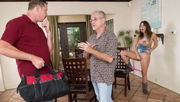 date slam blonde babe gets fucked on 1st date